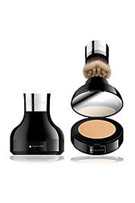 Cailyn Built in Brush HD Procoverage Foundation