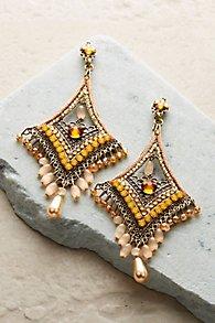 Elizabeth Pearl Drop Earrings