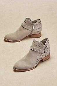 Vince_Camuto_Calley_Booties