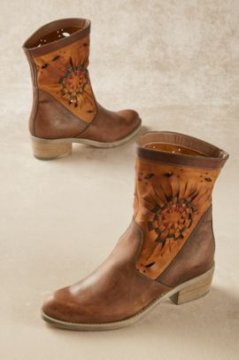 Taryn Boots