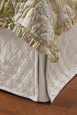Diamond_Quilted_Bedskirt