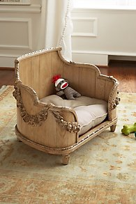 French Style Lluxury Dog Beds And Pet Bowls That Fit Your