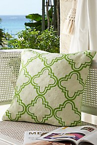 Quatrefoil_Crewel_Pillow