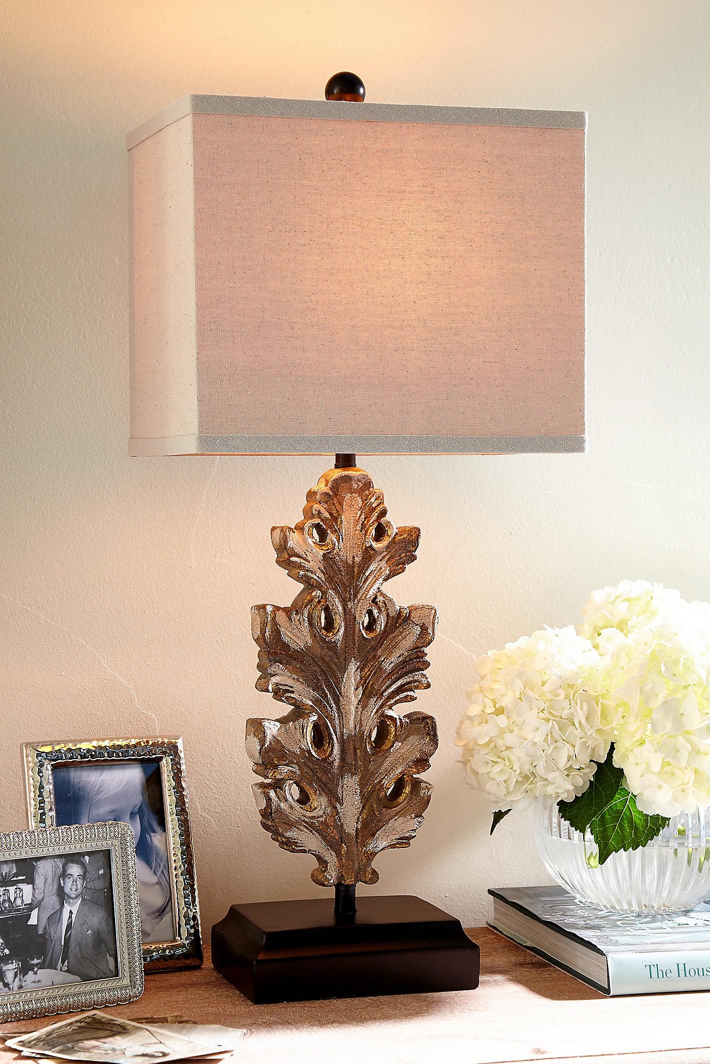 Acanthe Lamp