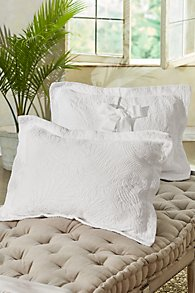 Mustique_Matelasse_Bed_Sham