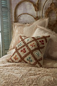 Cosetina_Embroidered_Pillow
