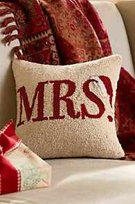 MRS Hooked Holiday Pillow