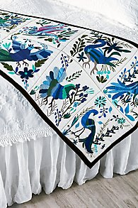 Pajaro Tropicale Home Accent Scarf
