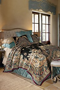 Ariya Tapestry Coverlet Set