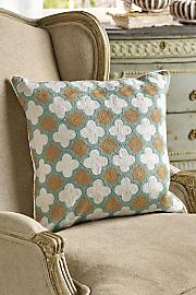 Crewel_Quatrefoil_Pillow_Cover