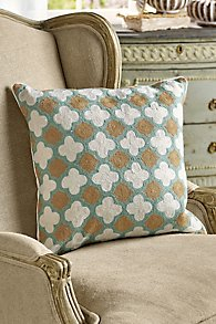 Crewel Quatrefoil Pillow Cover