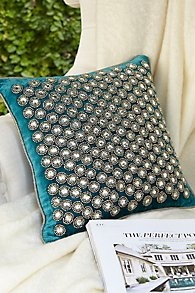 Blanche_Velvet_Pillow