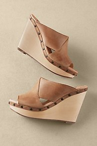 Farida_Wedges